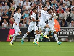 Leroy Fer of Swansea City celebrates his goal with team mates to make it 2-1. - Mandatory byline: Alex James/JMP - 07966386802 - 11/09/2016 - FOOTBALL - Barclays premier league -swansea,Wales - Swansea v Chelsea  -