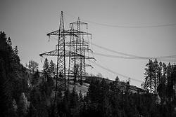 THEMENBILD - Masten der 380 kV Hochspannungsleitung bei Matrei in Osttirol, aufgenommen am Samstag 7. November 2020 // Pylons of the 380 kV high-voltage line near Matrei in Osttirol, recorded on Saturday, November 7, 2020. EXPA Pictures © 2020, PhotoCredit: EXPA/ Johann Groder
