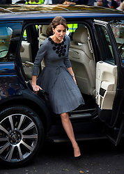 © Licensed to London News Pictures. 27/10/2015. CATHERINE, DUCHESS OF CAMBRIDGE arriving at Islington Town Hall in London to look at charity Chance UK's early intervention child mentoring programme. London, UK. Photo credit: Ben Cawthra/LNP