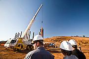 Jeceaba_MG, Brasil...Operarios trabalhando na instalacao de uma  usina siderurgica na cidade de Jeceaba. ..Workers working in an installation of steel in Jeceaba...Foto: JOAO MARCOS ROSA /  NITRO