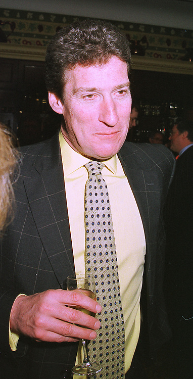 TV presenter JEREMY PAXMAN, at a luncheon in London on 3rd February 1999.MNW 36