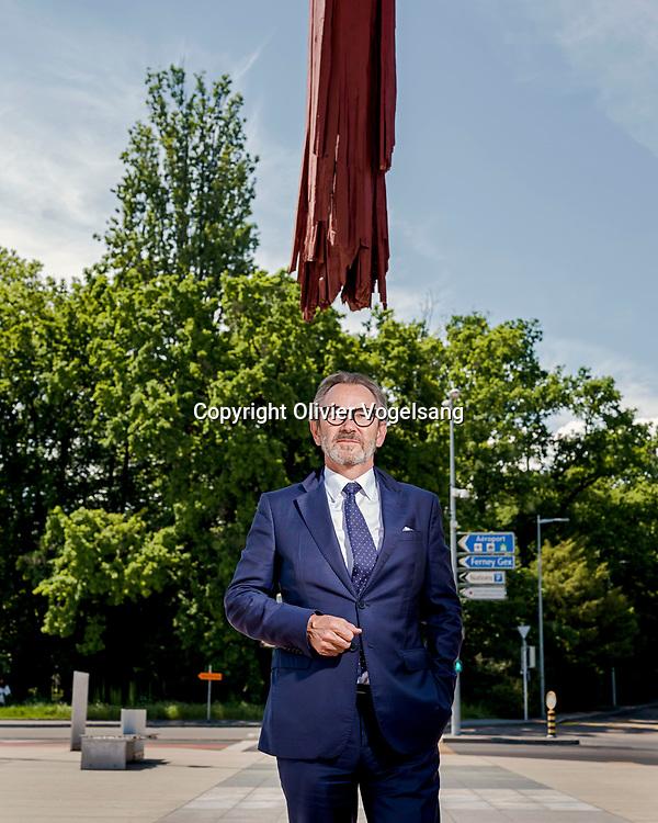 Genève,  juin 2021. Raymond Loretan was assistant to State Secretary Edouard Brunner at the 1985 Reagan-Gorbachev Summit. Raymond Loretan, ancien ambassadeur et homme politique suisse membre du Parti démocrate chrétien. © Olivier Vogelsang