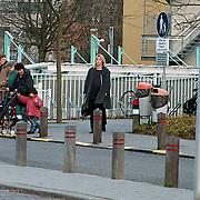 Linda de Mol verlaat ziekenhuis Hilversum voor controle