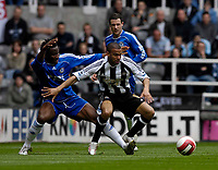 Photo: Jed Wee/Sportsbeat Images.<br /> Newcastle United v Chelsea. The Barclays Premiership. 22/04/2007.<br /> <br /> Newcastle's Kieron Dyer (R) tries to get away from Chelsea's Jon Obi Mikel.