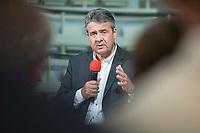 """24 JUN 2019, BERLIN/GERMANY:<br /> Sigmar Gabriel, MdB, SPD, Bundesminister a.D. und ehem. SPD Parteivorsitzender, haelt eine Rede, Zukunftsdialog des Wirtschaftsforums der SPD """"Soziale Marktwirtschaft 4.0"""" mit Google Germany GmbH<br /> IMAGE: 20190624-01-088"""