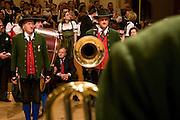 """Wien/Oesterreich, AUT, 28.01.2008: Musiker waehrend des jaehrlichen Jaegerballs in der Wiener Hofburg.<br /> <br /> Vienna/Austria, AUT, 28.01.2008: Musicians during the Hunters Ball (Jaegerball) at the """"Hofburg"""" in Vienna."""