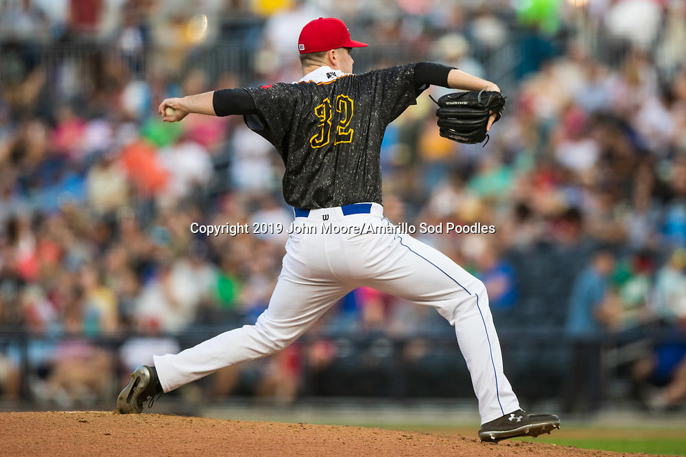 Amarillo Sod Poodles pitcher Aaron Leasher (32) pitches against the Arkansas Travelers on Saturday, Aug. 31, 2019, at HODGETOWN in Amarillo, Texas. [Photo by John Moore/Amarillo Sod Poodles]