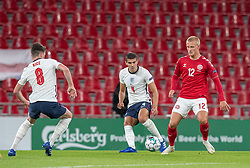 Conor Coady (England) og Kasper Dolberg (Danmark) under UEFA Nations League kampen mellem Danmark og England den 8. september 2020 i Parken, København (Foto: Claus Birch).