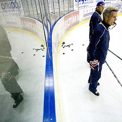 20100406: SLO, National Ice-hockey team, Practice with coach John Harrington