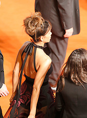 Halle Berry distracts the attention of her bodyguard - 18 Sep 2017