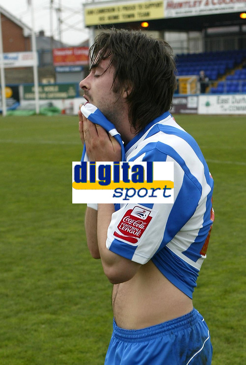 Photo: Andrew Unwin.<br />Hartlepool United v Port Vale. Coca Cola League 1. 06/05/2006.<br />A dejected Adam Boyd of Hartlepool.
