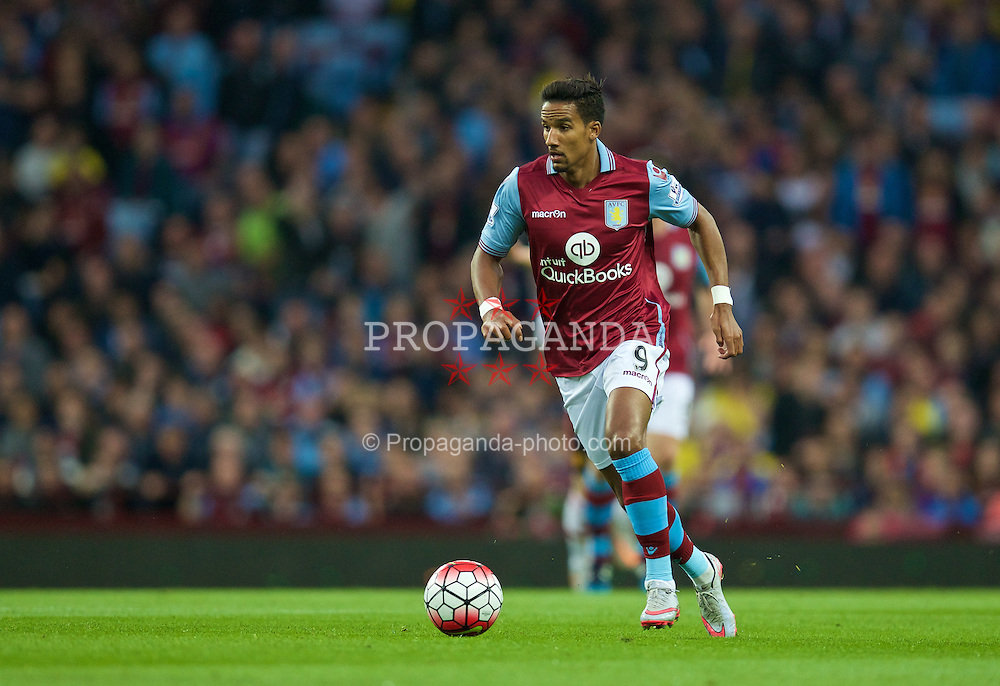 BIRMINGHAM, ENGLAND - Friday, August 14, 2015: Aston Villa's Scott Sinclair in action against Manchester United during the Premier League match at Villa Park. (Pic by David Rawcliffe/Propaganda)