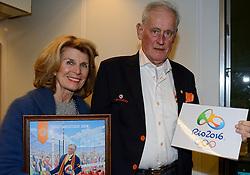 12-12-2015 NED: Bondsvergadering Nevobo, Nieuwegein<br /> Hans Nieukerke is vandaag benoemd tot erevoorzitter van de Nevobo. De 73-jarige Nieukerke ontving in het Huis van de Sport deze eer bij het afscheid van zijn twaalfjarig voorziterschap en kreeg de unieke gouden bondsspeld met drie briljanten opgespeld / Hans en Karen