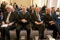 """2003, BERLIN/GERMANY:<br /> Willem Frederik Duisenberg, Praesident Europaeische Zentralbank, Hans Eichel, SPD, Bundesfinanzminister, Hans-Dietrich Genscher, Bundesaussenminister a.D., und Theo Waigel, Bundesfinanzminister a.D. , (v.L.n.R.), Vorstellung und Uebergabe des Sonderpostwertzeichens """"10 Jahre Vertrag von Maastricht - Europaeische Union"""" , Rechts seine Gaeste: Bundesministerium der Finanzen<br /> IMAGE: 20031022-02-001<br /> KEYWORDS: Briefmarke, Sondermarke"""