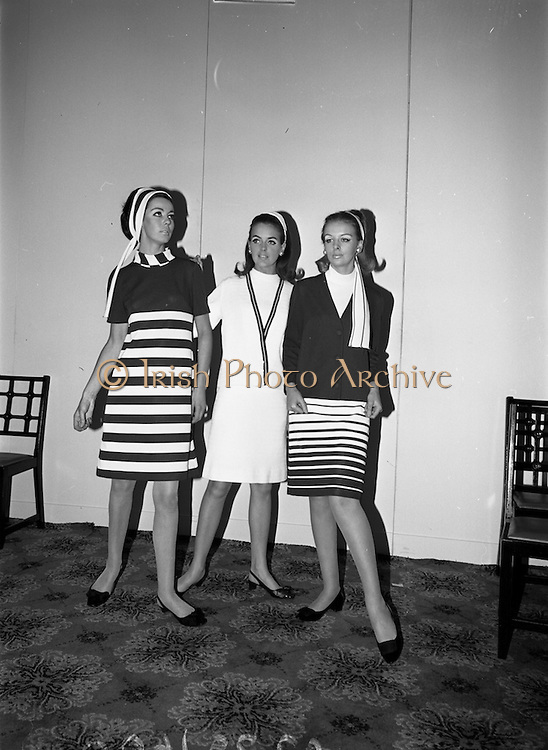 """11/10/1966<br /> 10/11/1966<br /> 11 October 1966<br /> Fashions, Blarney by Clodagh. Silverline Fashions of Nenagh (Co. Tipperary) launching its 1967 collection """"Blarney by Clodagh"""" at the Royal Hibernian Hotel, Dublin. Silverline Fashions Ltd. was a subsidiary company of Martin Mahoney and Co. Ltd. Cork. Picture shows (l-r): Liz Willoughby; Unknown and Suzanne McDougan modelling garments from the collection."""