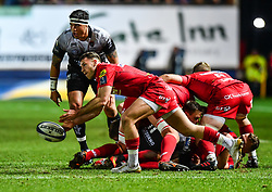 Scarlets' Gareth Davies in action during todays match<br /> <br /> Photographer Craig Thomas/Replay Images<br /> <br /> European Rugby Champions Cup Round 5 - Scarlets v Toulon - Saturday 20th January 2018 - Parc Y Scarlets - Llanelli<br /> <br /> World Copyright © Replay Images . All rights reserved. info@replayimages.co.uk - http://replayimages.co.uk