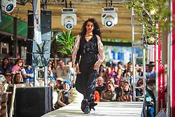 13º Edição do Desfile Ideal Moda Fashion na 39º Expointer - Exposição Internacional de Animais, Máquinas, Implementos e Produtos Agropecuários. O desfile traz a lã de ovelha da Raça Ideal em peças assinadas por artesãs, designers e marcas de todo Estado Gaúcho, promovido pela Associação Brasileira dos Criadores de Ideal. FOTO: Gustavo Roch/ Agência Preview