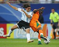 v.l. Juan Sorin, Kader Keita Elfenbeinkueste<br /> Fussball WM 2006 Argentinien - Elfenbeinkueste<br /> Argentina - Elfenbenskysten<br /> Norway only