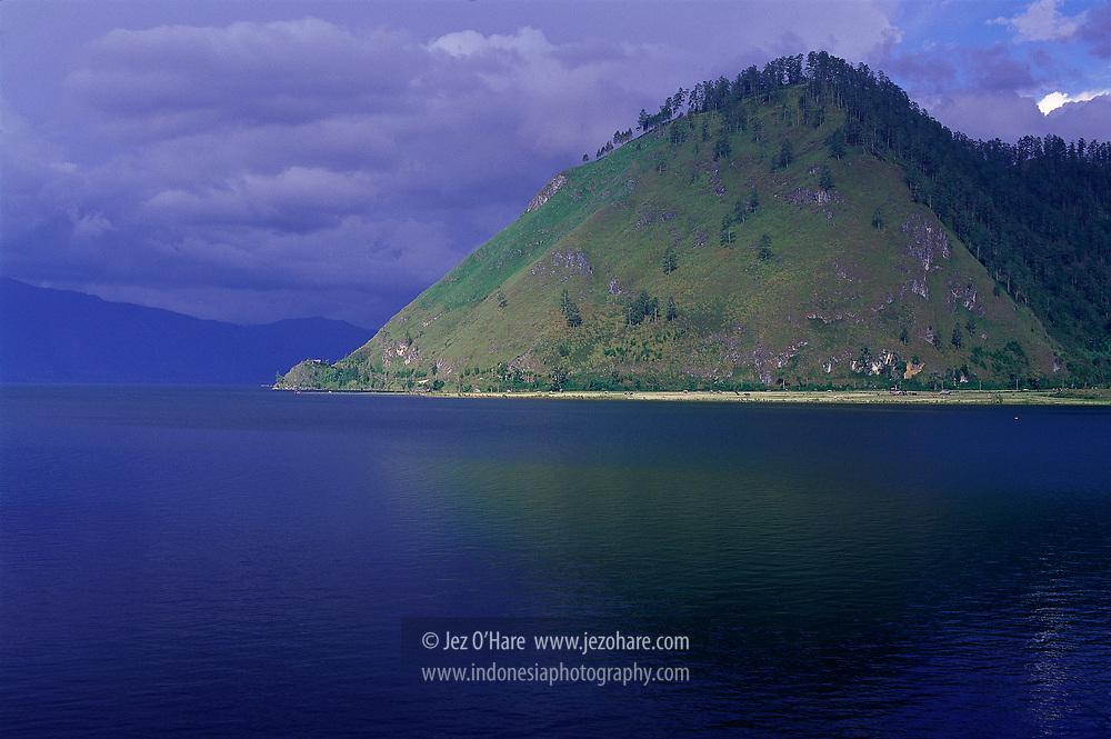 Lake Tawar, Takengon, Central Aceh, Nanggroe Aceh Darussalam, Sumatra, Indonesia.
