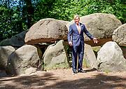 Werkbezoek van Koning Willem Alexander aan Borger in het kader van de impact van de coronacrisis COVID-19 op de cultuur- en vrijetijd sector in de provincie Drenthe.
