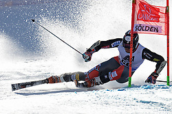 27.10.2013, Rettenbach Ferner, Soelden, AUT, FIS Weltcup, Ski Alpin, Riesenslalom, Herren, 1. Durchgang, im Bild Thomas Biesemeyer from The USA // Thomas Biesemeyer from The USA in action during 1st run of mens Giant Slalom of the FIS Ski Alpine Worldcup opening at the Rettenbachferner in Soelden, Austria on 2012/10/27. EXPA Pictures © 2013, PhotoCredit: EXPA/ Mitchell Gunn<br /> <br /> *****ATTENTION - OUT of GBR*****