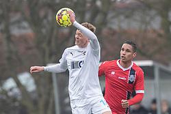 Marcus Gudmann (FC Roskilde) og Christopher Cortez (FC Helsingør) under træningskampen mellem FC Roskilde og FC Helsingør den 15. februar 2020 i Roskilde Idrætspark (Foto: Claus Birch).