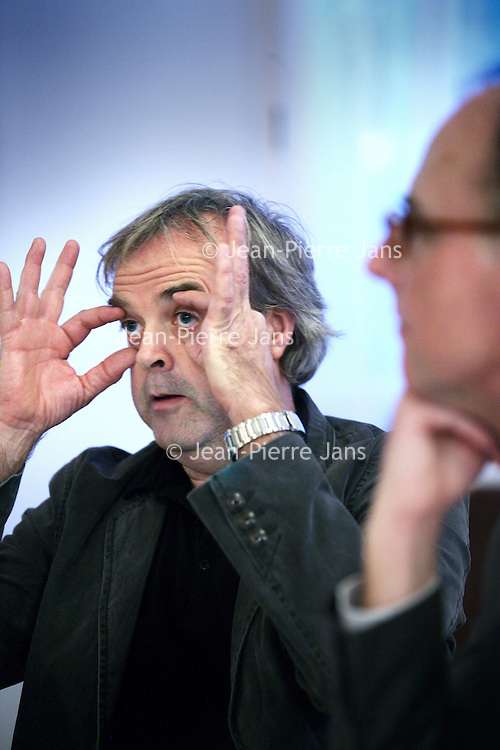 Nederland, Amsterdam , 2 november 2012.<br /> Rondetafelgesprek mediajournalisten in Lloyd Hotel.<br /> v.l.n.r. Jean Pierre Geelen (48)3,5 jaar recensent Volkskrant<br /> Hans Beerekamp (60) sinds 2003 NRC<br /> Mark Moorman (zie foto) (52) Al twintig jaar in Lips-carousel<br /> Willem Pekelder (53) Bijna 3 jaar Trouw<br /> <br /> Foto:Jean-Pierre Jans