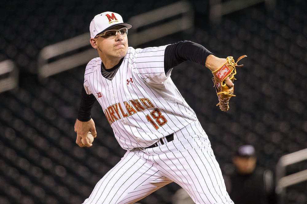Mike Shawaryn (18) of the Maryland Terrapins pitches during a 2015 Big Ten Conference Tournament game between the Maryland Terrapins and Michigan State Spartans at Target Field on May 20, 2015 in Minneapolis, Minnesota. (Brace Hemmelgarn)