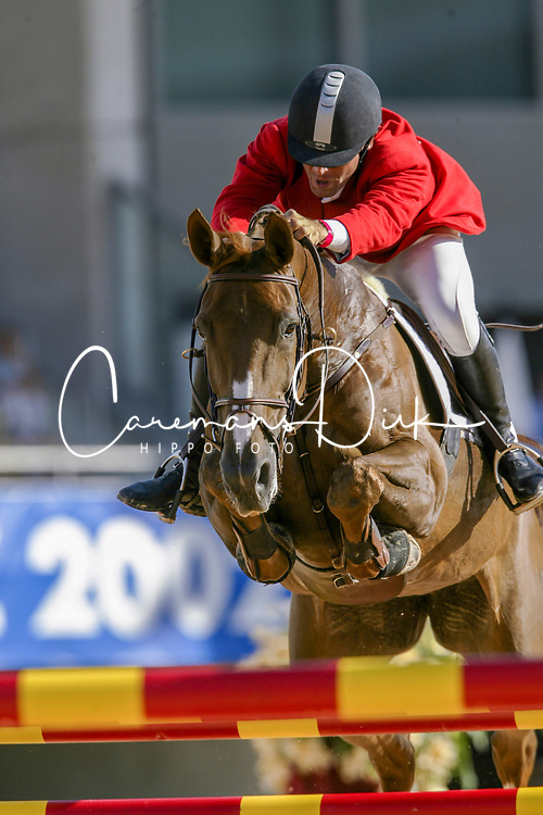 Sarasola Murulanda Fernando (ESP) - Nikita De Laubry<br /> Round 1 <br /> World Equestrian Games Jerez de la Fronteira 2002<br /> Photo © Hippo Foto - Dirk Caremans