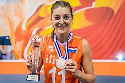 01-10-2017 AZE: Final CEV European Volleyball Nederland - Servie, Baku<br /> Nederland verliest opnieuw de finale op een EK. Servië was met 3-1 te sterk / Anne Buijs #11 of Netherlands