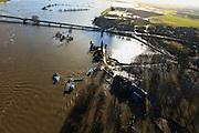 Nederland, Overijssel, Deventer, 20-01-2011. Zicht op het buitendijks en aan de IJssel gelegen park De Worp..Boven in beeld de Wilhelminabrug met daar achter de ondergelopen Bolwerkplas (te herkennen aan de kring bomen)..Het Worpplantsoen is onderdeel van de stadswijk De Hoven. Het in het park gelegen IJsselhotel (Rijksmonument) is door het hoogwater alleen nog per boot te bereiken..View on the flooded park De Worp. The hotel (IJsselhotel) in the park can only be reached by boat, due to the high waters of the river IJssel..luchtfoto (toeslag), aerial photo (additional fee required).copyright foto/photo Siebe Swart