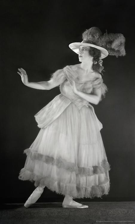 Lubov Tchernicheva as Prudenza in 'Pulcinella', London, England, 1920