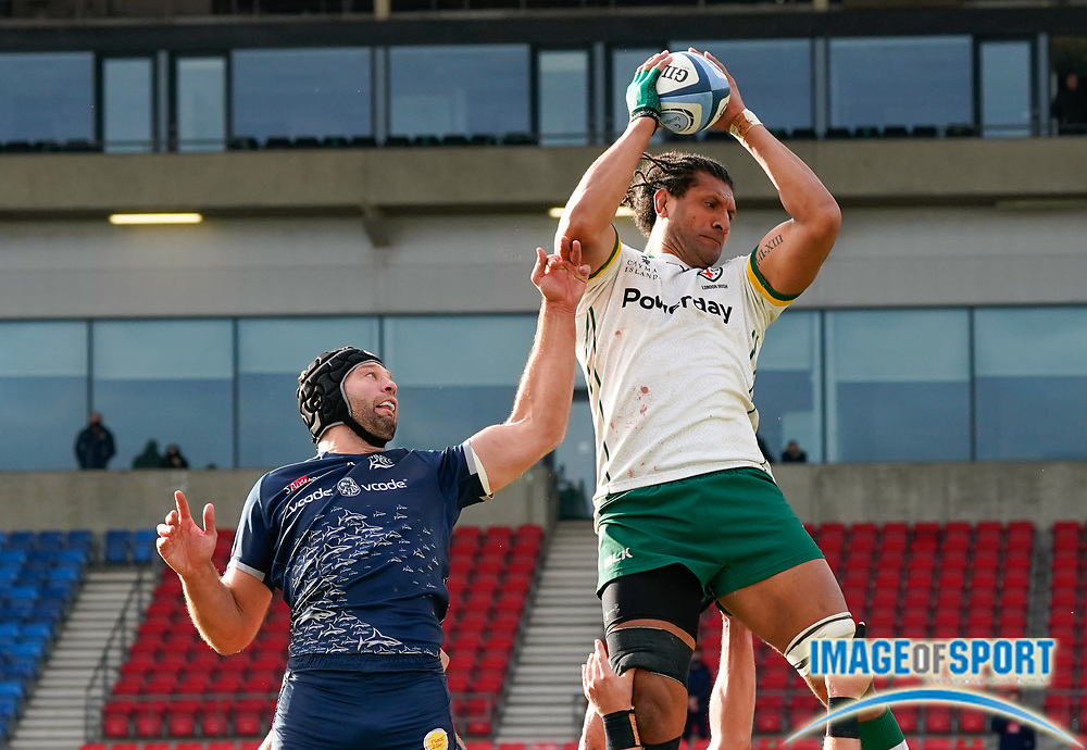 London Irish Lock Steve Mafi beats Sale Sharks lock Josh Beaumont to win a line-out during a Gallagher Premiership Round 14 Rugby Union match, Sunday, Mar 21, 2021, in Eccles, United Kingdom. (Steve Flynn/Image of Sport)