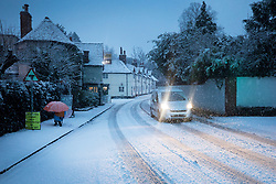 © Licensed to London News Pictures. 10/12/2017. Reading, UK. Early morning snow as parts of the south east of England are blanketed with snow for the first time this winter. Photo credit: Peter Macdiarmid/LNP