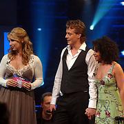 NLD/Weesp/20070319 - 3e Live uitzending Just the Two of Us, Mark van Eeuwen en Nurlaila Karim, Linda de Mol