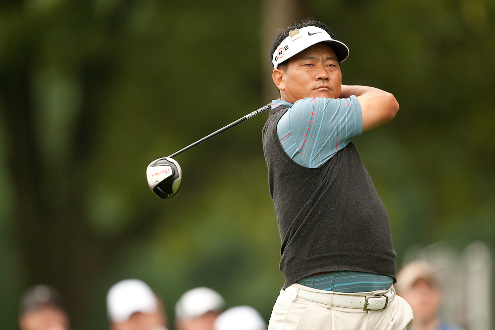 FARMINGDALE, NY - JUNE 19:  K.J. Choi hits his tee shot during the continuation of the first round of the 109th U.S. Open Championship on the Black Course at Bethpage State Park on Friday, June 19, 2009. (Photograph by Darren Carroll) *** Local Caption *** K.J. Choi