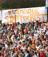 BLOEMENDAAL - Bloemigans supporters van Bloemendaal Hockey play offs Bl'daal-Rotterdam. COPYRIGHT KOEN SUYK