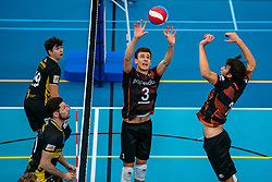 26-10-2019 NED: Talentteam Papendal - Draisma Dynamo, Ede<br /> Round 4 of Eredivisie volleyball - Markus Held #3 of Talent Team, Mathijs Apine #2 of Talent Team, Maikel van Zeist #10 of Dynamo, Seain Cook #19 of Dynamo