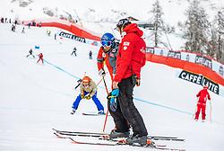 09.02.2021, Cortina, ITA, FIS Weltmeisterschaften Ski Alpin, Super G, Damen, im Bild v.l. Christine Scheyer (AUT), Christian Mitter (Sportlicher Leiter ÖSV Ski Alpin Damen) // left to right: Christine Scheyer of Austria Austrian Ski Association head Coach alpine Ladies Christian Mitter during Ladies Super G of FIS Alpine Ski World Championships 2021 in Cortina, Italy on 2021/02/09. EXPA Pictures © 2021, PhotoCredit: EXPA/ Johann Groder
