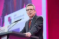 12 JAN 2015, KOELN/GERMANY:<br /> Thomas de Maiziere, CDU, Bundesinnenminister, haelt eine Rede, dbb Jahrestagung 2015, Messe Koeln<br /> IMAGE: 20150112-01<br /> KEYWORDS: Köln, Thomas de Maizière