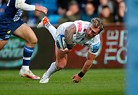 Rugby Union - 2021 / 2022 Gallagher Premiership - Round Three - Sale Sharks vs Exeter Chiefs - A J Bell Stadium - Sunday 3rd October 2021<br /> <br />  Sturat Hogg of Exeter Chiefs passes to Henry slade who goes on score his first try<br /> <br /> Credit COLORSPORT/Lynne Cameron