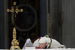 November 18, 2018 - Vatican City, Vatican - Pope Francis celebrates a mass in St. Peter basilica at the Vatican, Sunday, Nov. 18, 2018. (Credit Image: © Massimo Valicchia/NurPhoto via ZUMA Press)