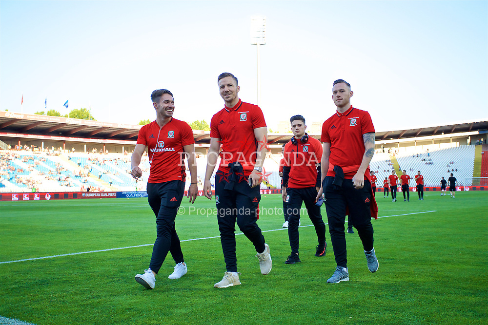 BELGRADE, SERBIA - Sunday, June 11, 2017: Wales' Tom Bradshaw, Lee Evans, Daniel James and Gethin Jones before the 2018 FIFA World Cup Qualifying Group D match between Wales and Serbia at the Red Star Stadium. (Pic by David Rawcliffe/Propaganda)