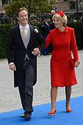 Bruiloft van Viktória Cservenyák met prins Jaime de Bourbon de Parme in de Onze Lieve Vrouwe ten Hemelopnemingkerk, Apeldoorn.<br /> <br /> Wedding of Viktoria Cservenyák with Prince Jaime de Bourbon Parme in Our Lady at Ascension Church, Apeldoorn.<br /> <br /> Op de foto / On the photo: <br /> <br /> <br /> <br />  Prins Jaime de Bourbon de Parme komt met zijn moeder, prinses Irene