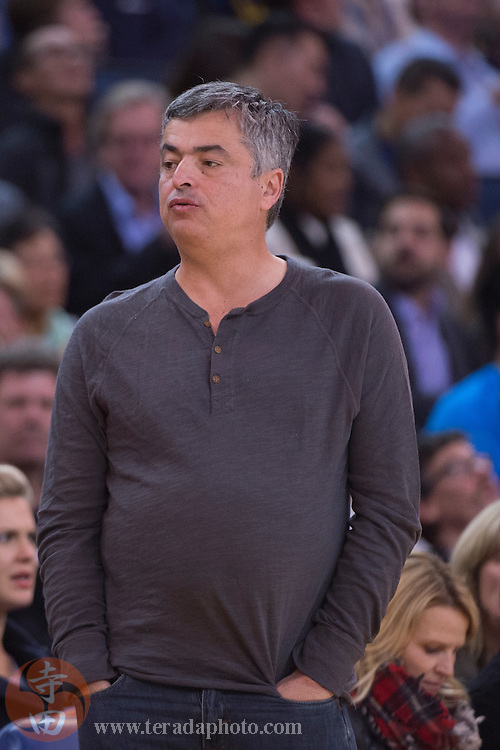 November 17, 2015; Oakland, CA, USA; Apple senior vice president of internet software & services Eddy Cue during the second quarter between the Golden State Warriors and the Toronto Raptors at Oracle Arena. The Warriors defeated the Raptors 115-110.