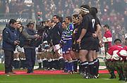 Twickenham. Surrey. UK England vs New Zealand, Autumn Internationals.<br /> <br /> 09/11/2002<br /> International Rugby England vs New Zealand   15 FB <br /> Jason Robinson<br /> 14 W <br /> James Simpson-Daniel<br /> 13 C <br /> Will Greenwood<br /> 12 C <br /> Mike Tindall<br /> 11 W <br /> Ben Cohen<br /> 10 FH <br /> Jonny Wilkinson<br /> 9 SH <br /> Matt Dawson<br /> 1 P <br /> Trevor Woodman<br /> 2 H <br /> Steve Thompson<br /> 3 P <br /> Phil Vickery<br /> 4 L <br /> Martin Johnson (c)<br /> 5 L <br /> Danny Grewcock<br /> 6 F <br /> Lewis Moody<br /> 7 F <br /> Richard Hill<br /> 8 N8 <br /> Lawrence Dallaglio<br />     Replacements<br /> 16 <br /> Mark Regan<br /> 17 <br /> Jason Leonard<br /> 18 L <br /> Ben Kay<br /> 19 F <br /> Neil Back<br /> 20 W <br /> Austin Healey<br /> 21 C <br /> Ben Johnston<br /> 22 <br /> Tim Stimpson  5         New Zealand                         FB <br /> Ben Blair<br /> 14 W <br /> Doug Howlett<br /> 13 C <br /> Tana Umaga<br /> 12 C <br /> Keith Lowen<br /> 11 W <br /> Jonah Lomu<br /> 10 FH <br /> Carlos Spencer<br /> 9 SH <br /> Steve Devine<br /> 1 P <br /> Joe McDonnell<br /> 2 H <br /> Andrew Hore<br /> 3 P <br /> Kees Meeuws<br /> 4 L <br /> Ali Williams<br /> 5 L <br /> Keith Robinson<br /> 6 F <br /> Taine Randell (c)<br /> 7 F <br /> Marty Holah<br /> 8 N8 <br /> Sam Broomhall<br />     Replacements<br /> 16 <br /> Keven Mealamu<br /> 17 <br /> Carl Hayman<br /> 18 L <br /> Brad Mika<br /> 19 <br /> Rodney So'oialo<br /> 20 SH <br /> Danny Lee<br /> 21 FH <br /> Andrew Mehrtens<br /> 22 C <br /> Mark Robinson [Mandatory Credit Peter SPURRIER/Intersport Images]