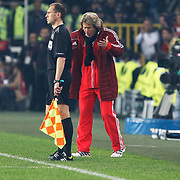 Benfica's coach Jorge Jesus (R) during their UEFA Europa League Semi Final first match Fenerbahce between Benfica at Sukru Saracaoglu stadium in Istanbul Turkey on Thursday 25 April 2013. Photo by Aykut AKICI/TURKPIX