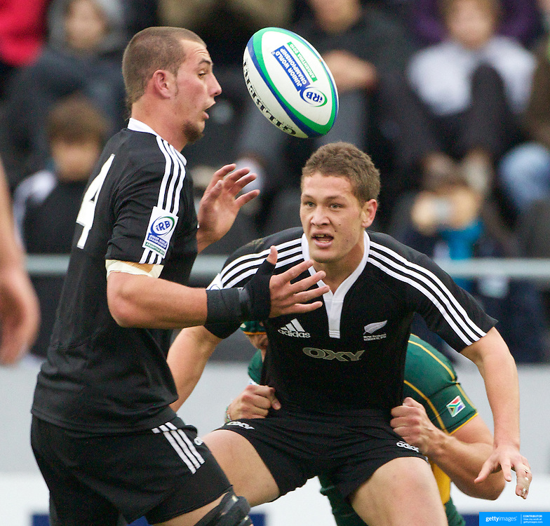 Tawera Kerr-Barlow, (right) and Blade Thomson (left), New Zealand   in action during the New Zealand V South Africa semi final match at Estadio El Coloso del Parque, Rosario, Argentina, during the IRB Junior World Championships. 17th June 2010. Photo Tim Clayton....