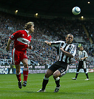 Photo. Andrew Unwin, Digitalsport<br /> Newcastle United v Middlesbrough, Barclays Premiership, St James' Park, Newcastle upon Tyne 27/04/2005.<br /> Middlesbrough's Bolo Zenden (L) heads the ball past Middlesbrough's Stephen Carr (R).