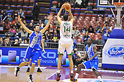 DESCRIZIONE : Milano Final Eight Coppa Italia 2014 Finale Montepaschi Siena - Dinamo Banco di Sardegna Sassari<br /> GIOCATORE : Tomas Ress<br /> CATEGORIA : Tiro Tre Punti<br /> SQUADRA : Montepaschi Siena<br /> EVENTO : Final Eight Coppa Italia 2014 Milano<br /> GARA : Montepaschi Siena - Dinamo Banco di Sardegna Sassari<br /> DATA : 09/02/2014<br /> SPORT : Pallacanestro <br /> AUTORE : Agenzia Ciamillo-Castoria / Luigi Canu<br /> Galleria : Final Eight Coppa Italia 2014 Milano<br /> Fotonotizia : Milano Final Eight Coppa Italia 2014 Finale Montepaschi Siena - Dinamo Banco di Sardegna Sassari<br /> Predefinita :